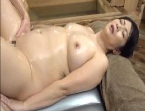 【大嶋しのぶ】麗しの超高級ソープ‼大型新人のネットリ這いずる濃密マットプレイで膣奥射精‼
