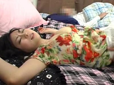 羽月希 夫が側で寝ているのに私ったらどうしてこんなに感じちゃってるの