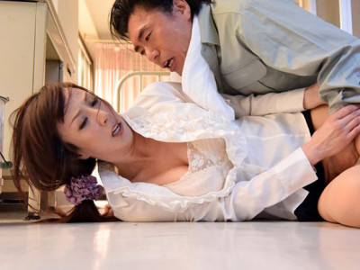 澤村レイコ ゲスな用務員との獣のようなセックスに溺れていった女教師