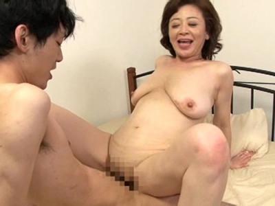 寺島千鶴 叔母さん童貞が大好きなの。お母さんもいないし楽しみましょう