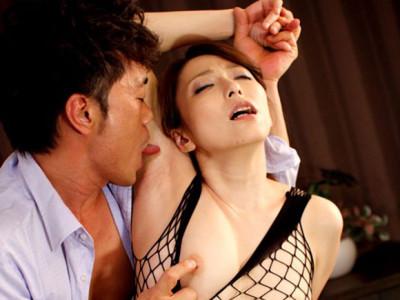 白木優子 夫との大事なお店を守るために憎い男に抱かれることになりました