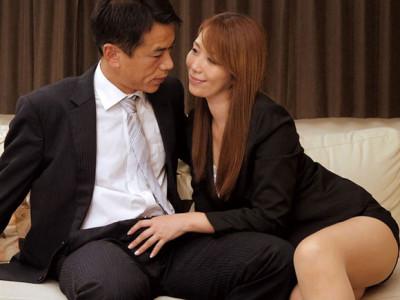 翔田千里 湧き上がる性欲を抑えることができず新入社員に手を出した