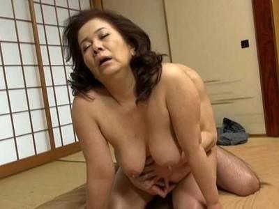 岩崎千鶴 息子を溺愛しています。目に入れても痛くないとはこういうことね