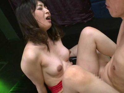 安野由美 当高級サロンでは、いままで経験したことがない快感を味わえます