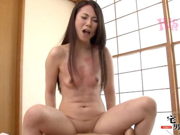 【OBA-218】愛田みみが騎乗位でハメられている画像