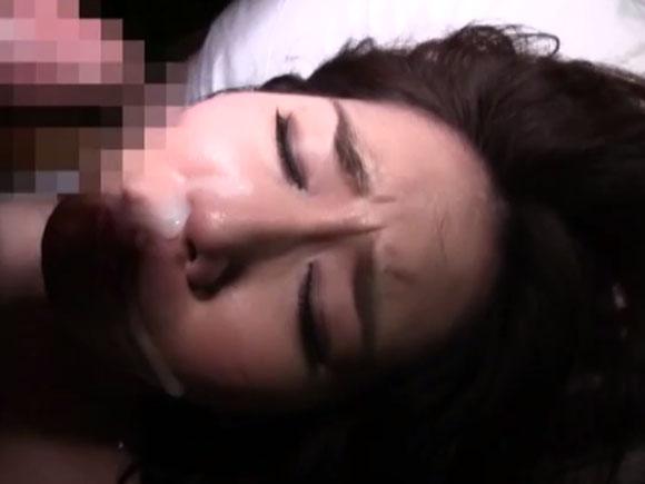 【BIJN-095】おばさんが顔射されている画像