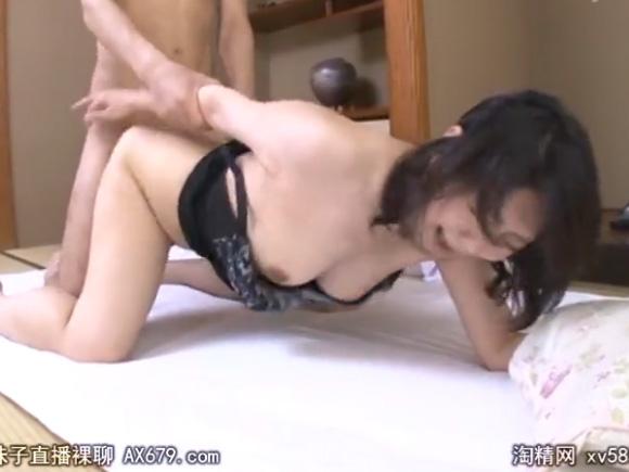 【JRZD-729】小野さち子がバックでハメられている画像
