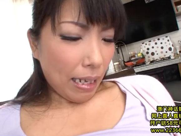 【TYOD-283】三喜本のぞみが愛撫されている画像