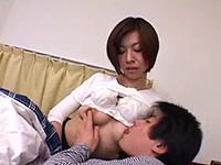真波紫乃 お兄ちゃんは東京に行っても頑張るのよ、母さんは甘えん坊の弟とセックスするわ